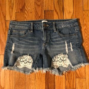 Jean shorts with lace detail